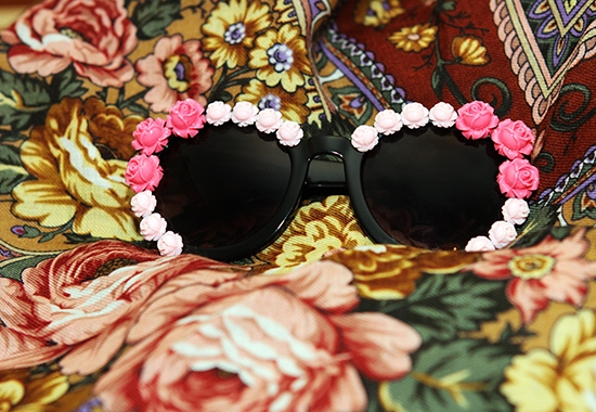 The Wind of Inspiration DIY Project: Flower Embellished Sunglasses