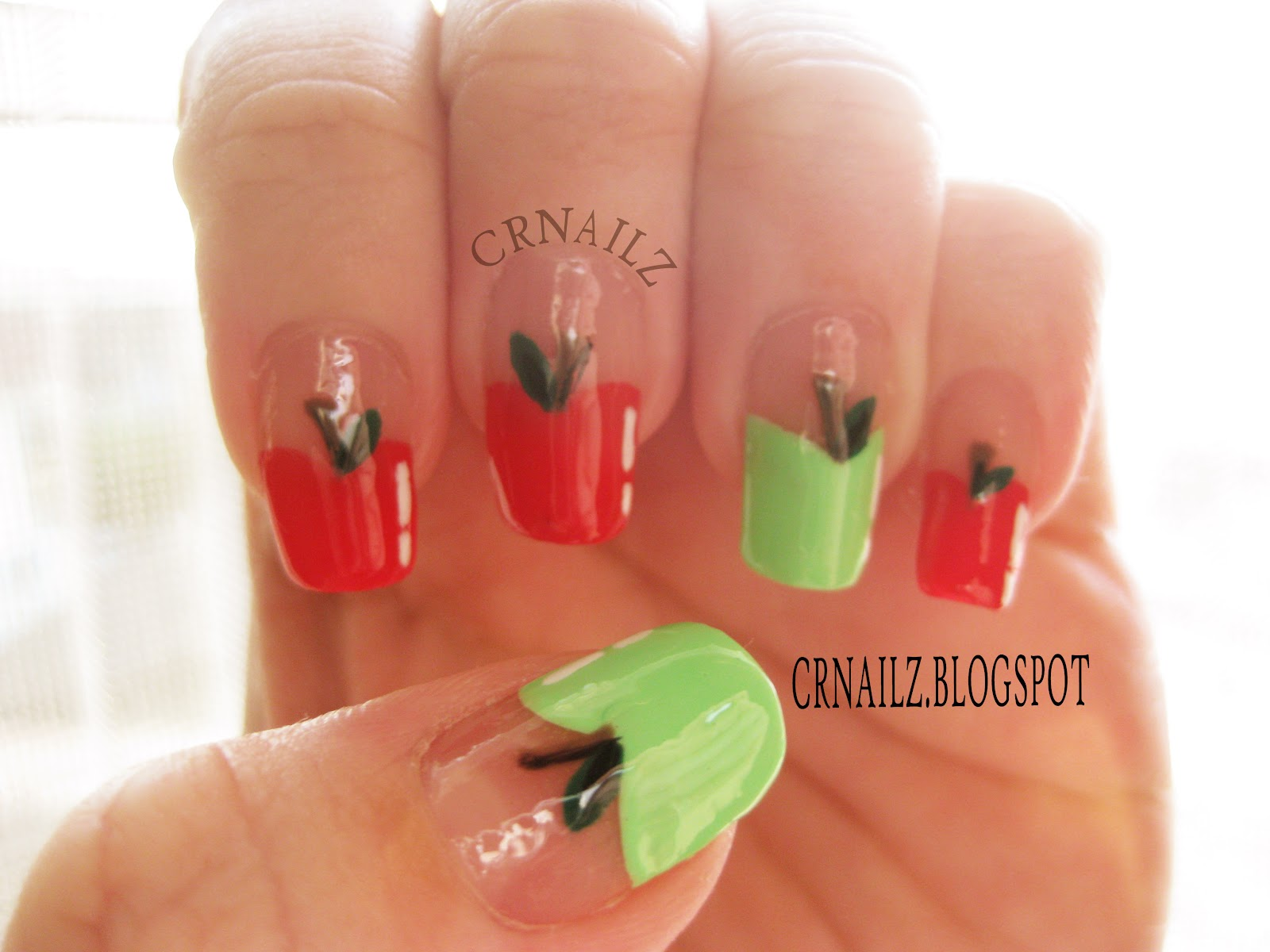 Crnailz French Apples