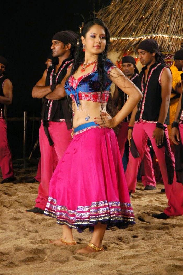 Pooja Bose In Half Saree Navel