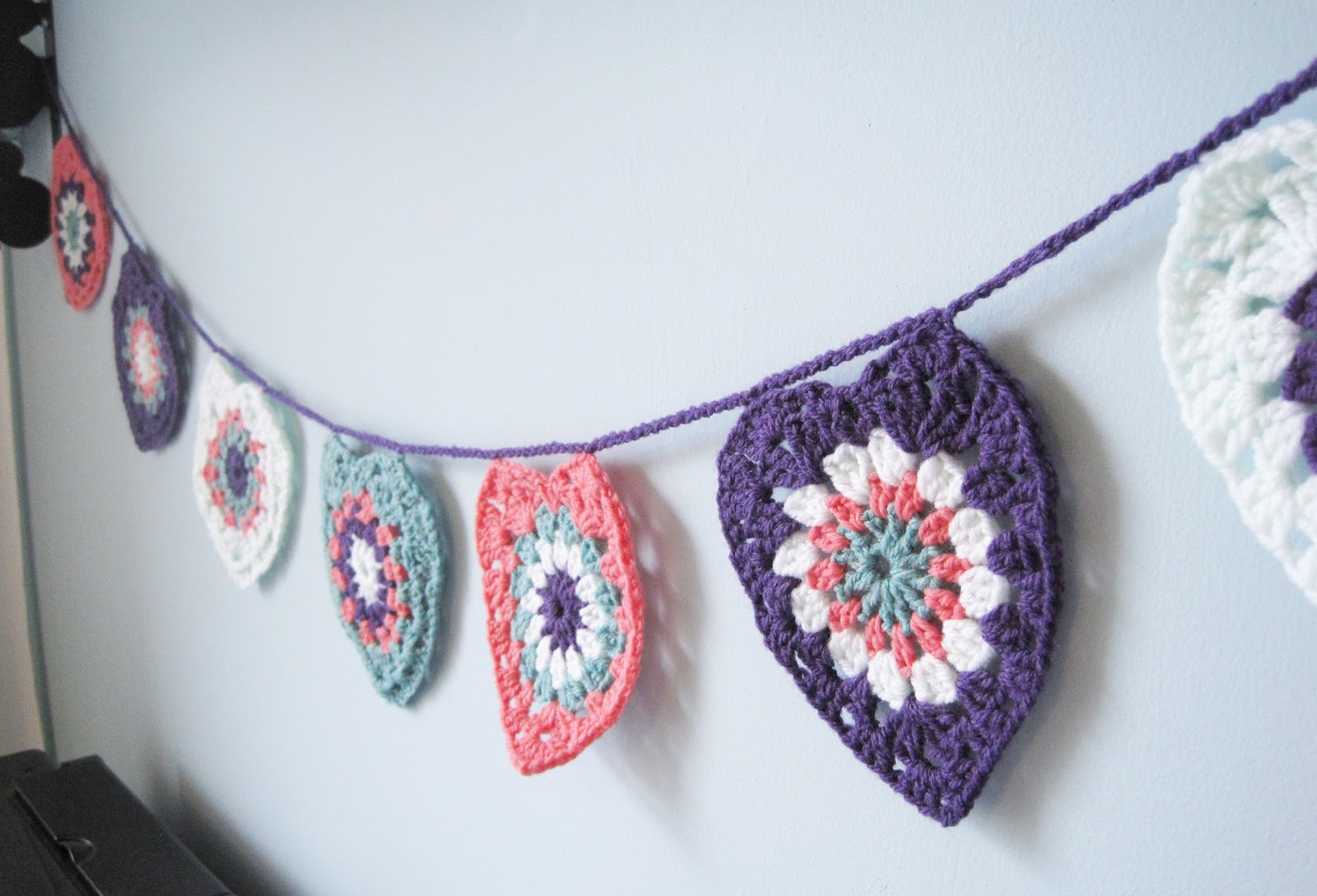 Craft Night Blog How To Crochet Heart Garland
