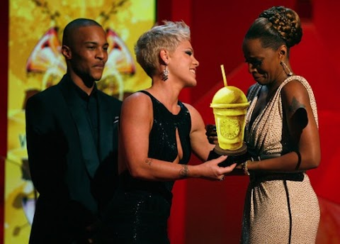 popslut awards 2013: la cerimonia di premiazione