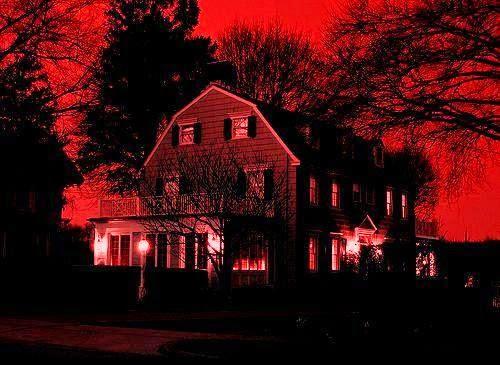 Maison hantée dans Amityville, la maison du diable, de Stuart Rosenberg (1979)