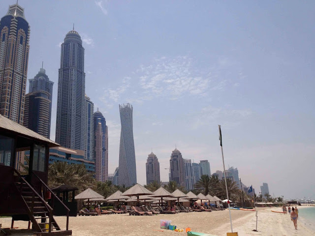 Dubai Beach UAE Emirates Emiratos Blogcasting Live From Hong Kong