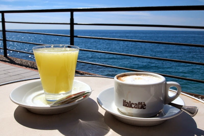 Coffee and freshly squeezed limonata with a view - Cinque Terre, Italy