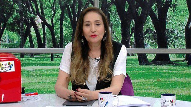 """Sonia Abrão e RedeTV! são condenadas após """"fantasma"""" em foto"""