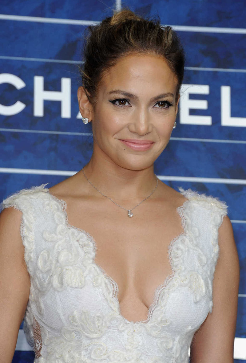 Jennifer Lopez Photos in White Flowy Short White Dress