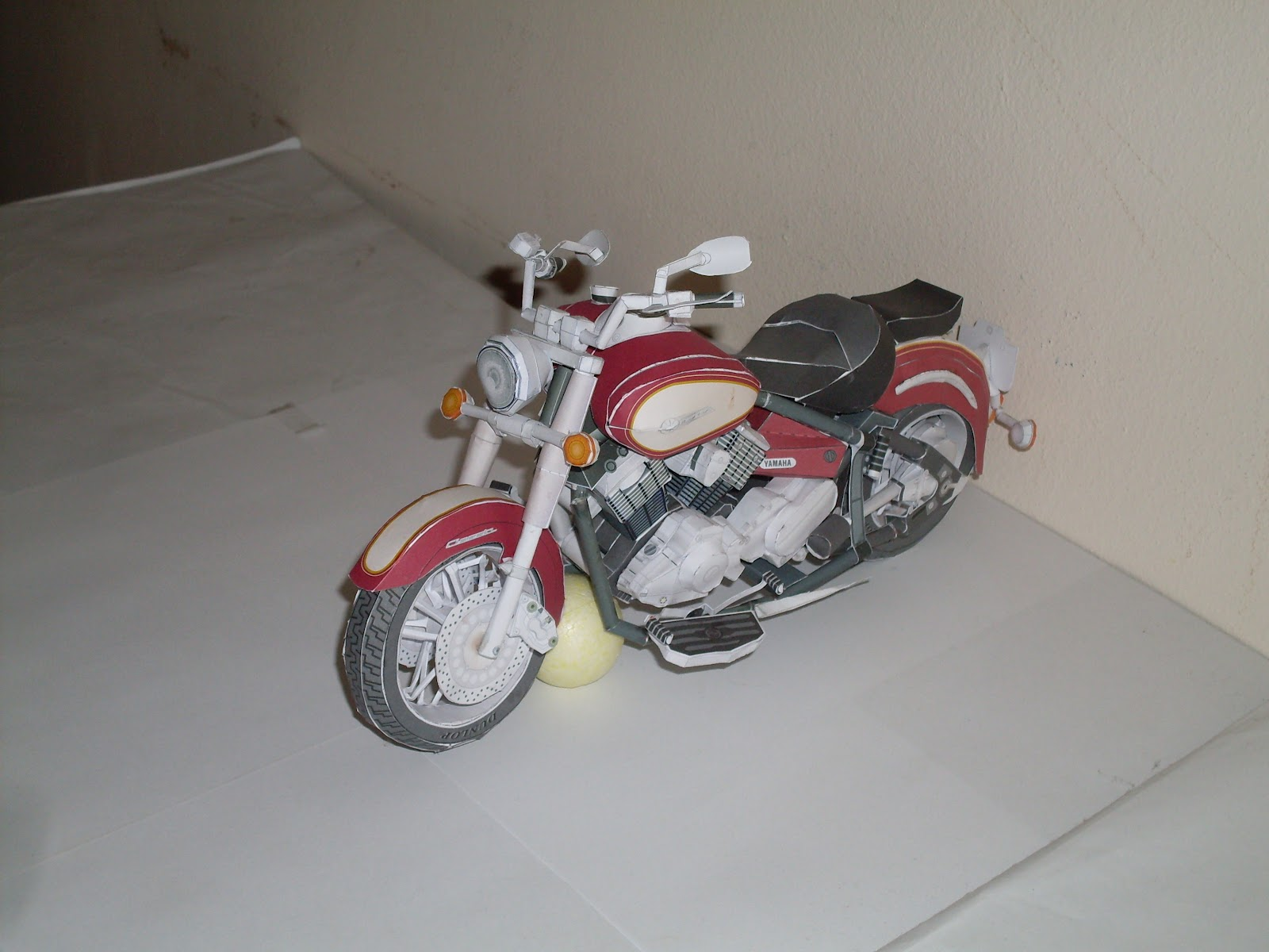 El blog de polonio dsc11 dragstar classic eleven papercraft al costado se encuentra el logo de yamaha que remite directo a la pgina de los papercraft hay muchos modelos sobre todo de motos estn muy logrados jeuxipadfo Choice Image