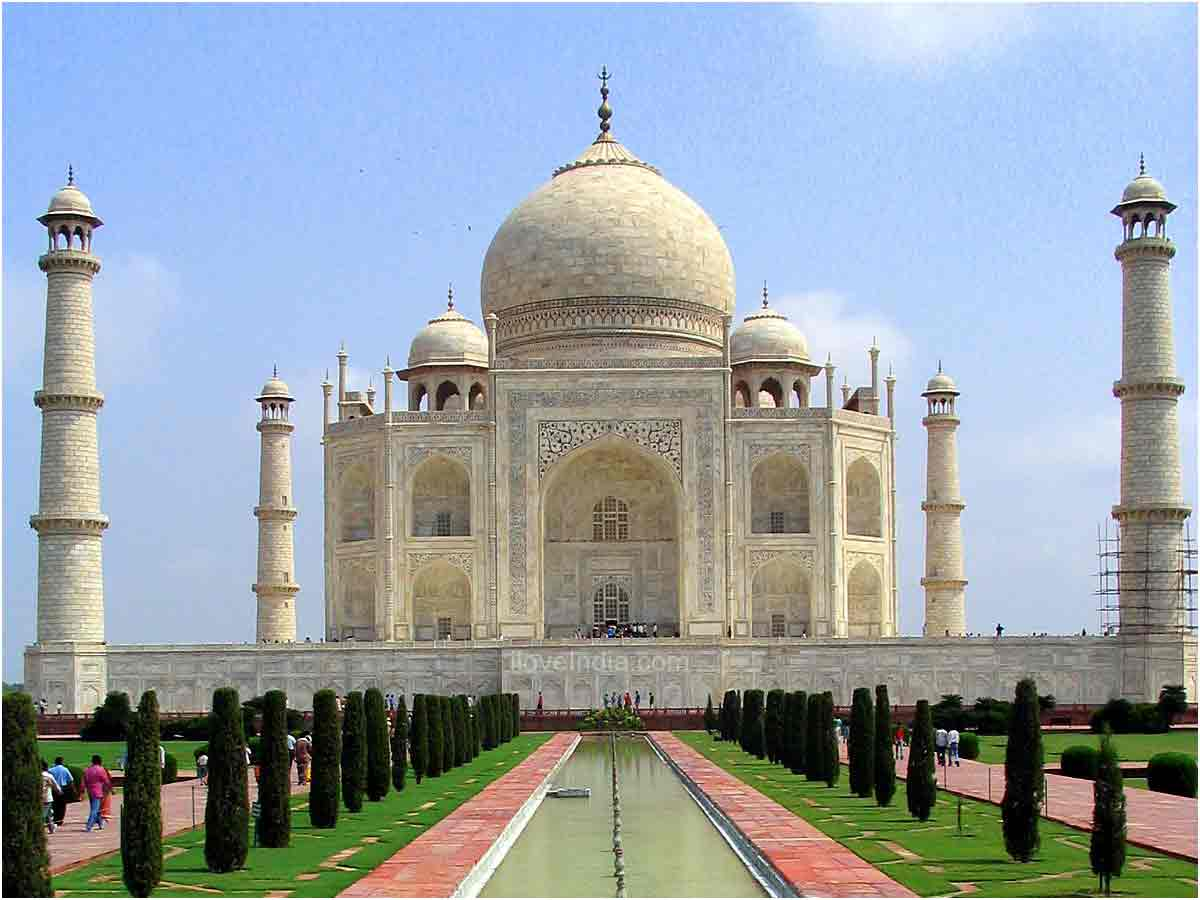 historical buildings in the taj mahal india world