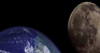 Semenjak 4,5 miliar tahun yang lalu, ternyata bulan diidentifikasikan telah menjauh setidaknya 18 kali lebih jauh dari bumi. Jika hal tersebut memang benar, apa yang akan terjadi jika Bulan benar-benar menjauh dari Bumi?  Tanpa Bulan, lautan di Bumi tidak akan mengalami pasang sudut. Bahkan hitungan hari di Bumi pun akan berubah dan menjadi lebih panjang dari sebelumnya. Bulan benar-benar sangat penting untuk membantu mendorong kehidupan di Bumi. Gesekan antara permukaan Bumi dan pemukaan air di atasnya akan membuat Bumi berputar lebih lambat dari waktu ke waktu.  Bumi dan Bulan nyatanya terkunci dalam satu lingkupan gravitasi dengan kekuatan yang ketat. Dan keduanya pun memiliki keterkaitan saat melakukan proses rotasi. Sehingga, saat Bumi berputar lebih lambat di orbitnya, Bulan justru akan berputar lebih cepat.  Dengan keterkaitan erat tersebut, Bulan diprediksi tidak akan pernah benar-benar lepas dari Bumi. Jika terus melambat, maka Bumi akhirnya akan berputar pada tingkat yang sama dengan orbit Bulan.  Namun, jauh sebelum hal ini terjadi, Matahari di masa depan akan berkembang menjadi raksasa merah. Matahari diprediksi akan menelan Bumi dan Bulan dan peristiwa ini diperkirakan akan terjadi dalam waktu lima miliar tahun ke depan.