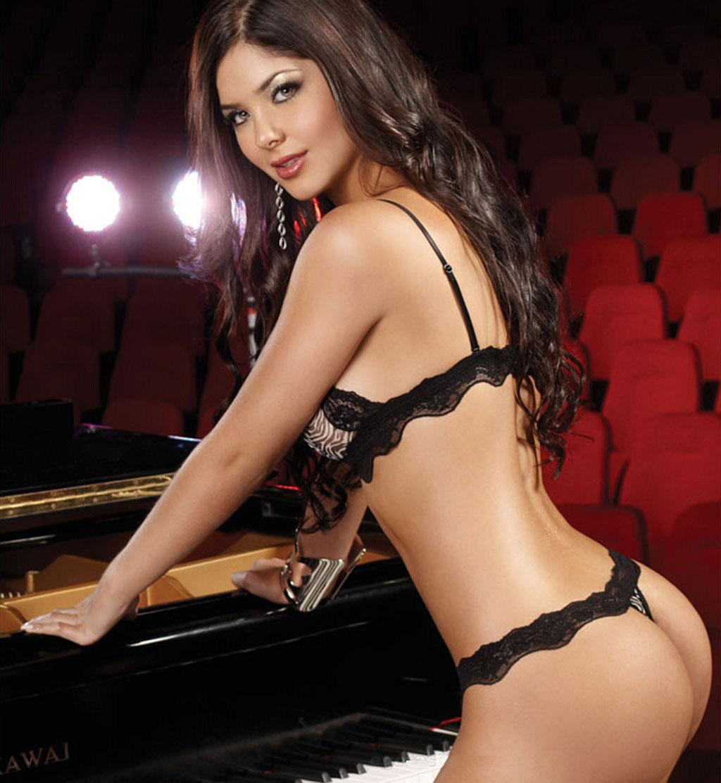 Camila & Mariana Davalos Nude Photos 84