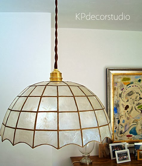 Lámparas online vintage. Tulipas de nácar. Lámparas online baratas de segunda mano listas para colocar.