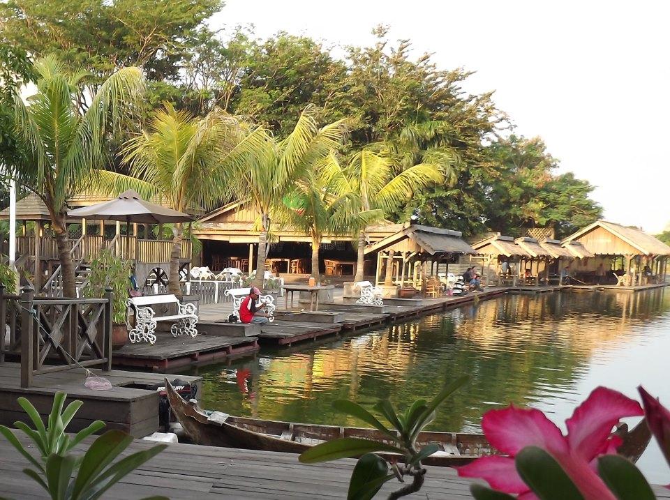Hasil gambar untuk Tempat Foto di Semarang