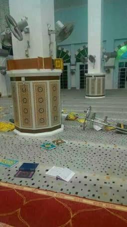 gambar orang yang hina alquran di limbungan, gambar orang yang membuang al quran di besut, quran dibuang di besut, gambar orang yang membuang al quran