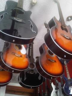 Gitar GAMBAR GITAR