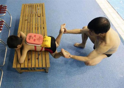 chinese kids learning how to swim 640 03 Gambar Cara Didik Atlet Renang China