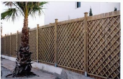 Arte y jardiner a superficies verticales materiales for Vallas de bambu para jardin
