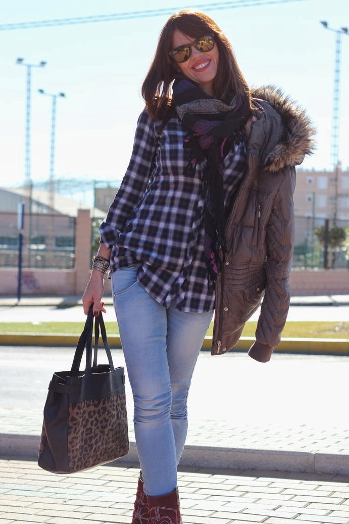 Bolso Leopardo- Camisa cuadros- Chaqueta Geox