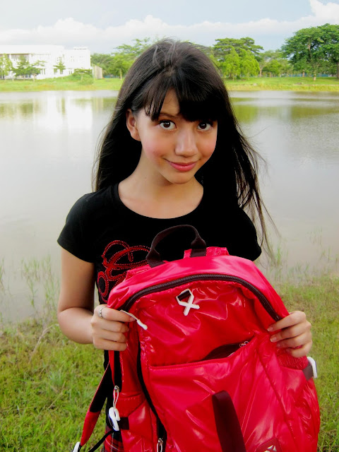 Kumpulan Foto Cassandra WINXS anak kecil pake tas