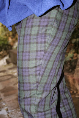 burda 04/2013 114B pantalones a cuadros tartán