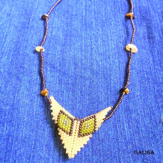 set jewelry with beads in ethnic style