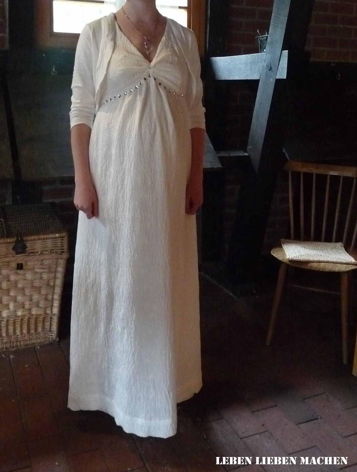 LEBEN LIEBEN MACHEN: Das Hochzeitskleid.