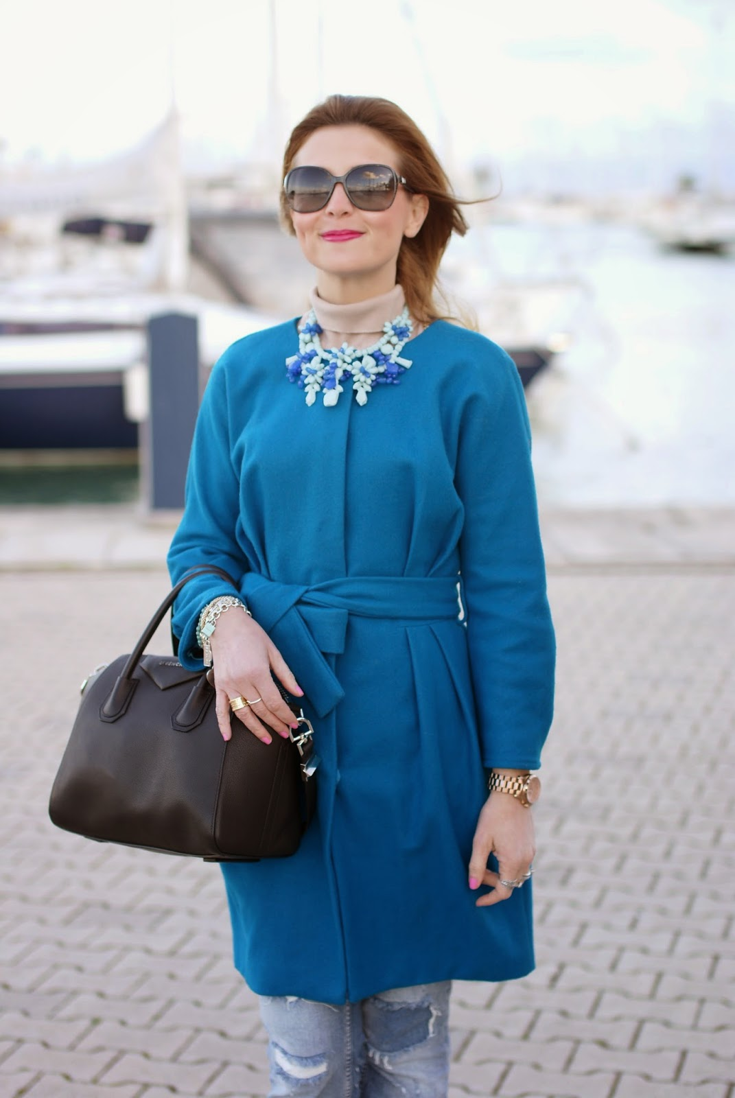 Givenchy Antigona bag, leopard pumps, Zara blue statement necklace, Sapphire blue coat, Fashion and Cookies, fashion blogger