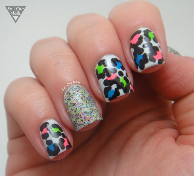 Neon-leopard-nails-2