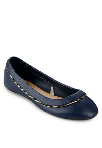 http://www.zalora.co.id/Zippy-Flat-Shoes-764486.html