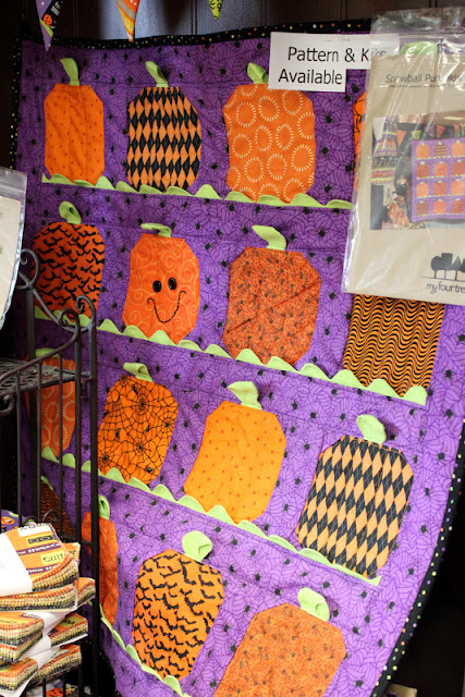 Fabric Mill: Pumpkins Wall Hanging