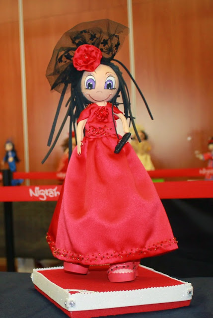 muñeca personalizada vestido rojo fofucha regalo