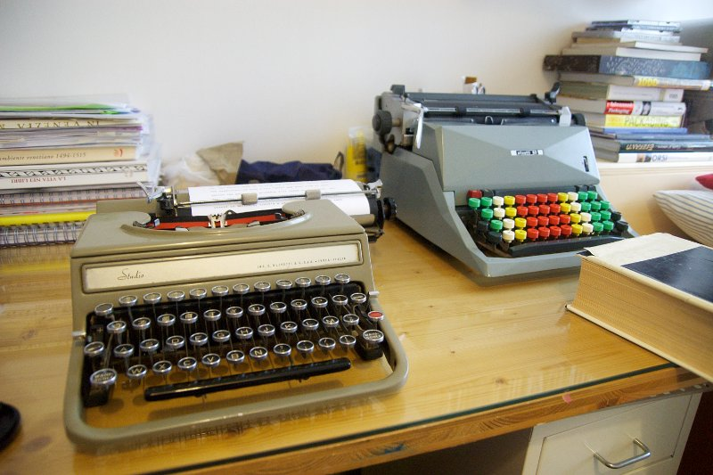 olivetti studio 42 and olivetti 82 diaspron