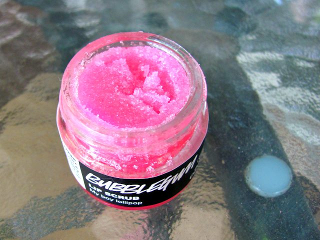 lush-cosmetics-bubblegum-lip-scrub