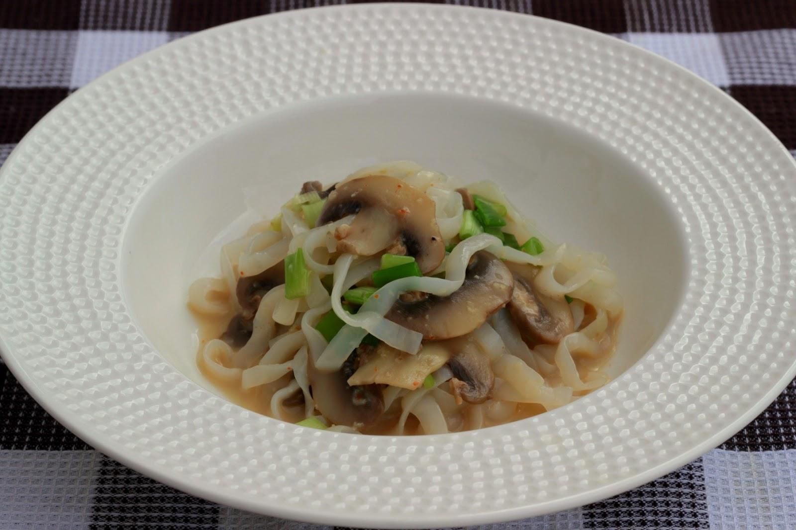 Fetuccini konjac con champi ones cocina con clau for Cocinar konjac