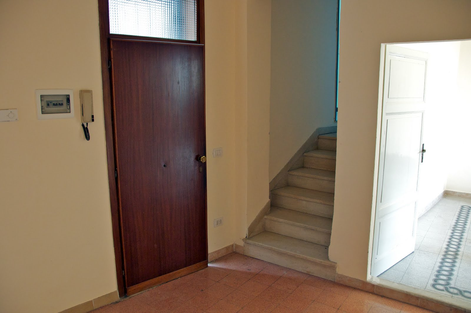 Americans in umbria buying apartment number 2 Entry to master bedroom