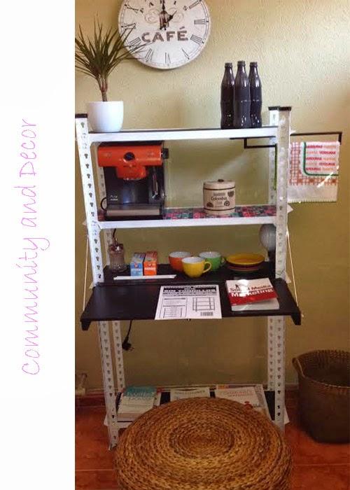 transformar una estantería metálica en un office y rincón de lectura para la oficina