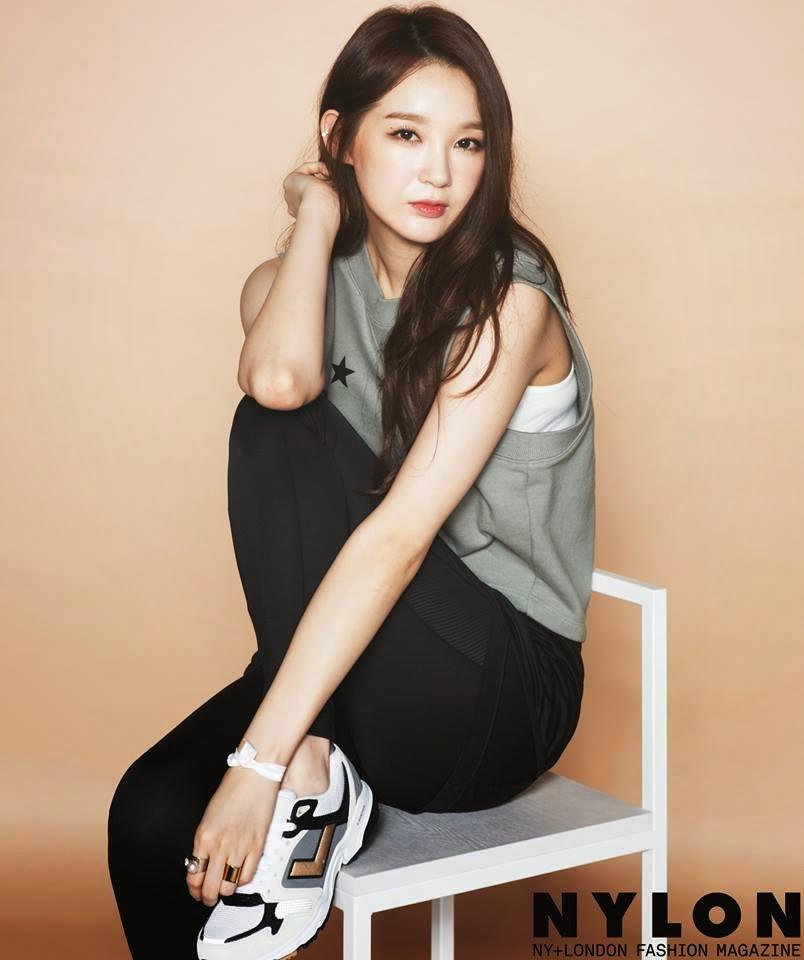 Davichi S Kang Minkyung The Long Legs Beauty Daily K