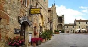 Monteriggioni - município medieval na Toscana, Itália
