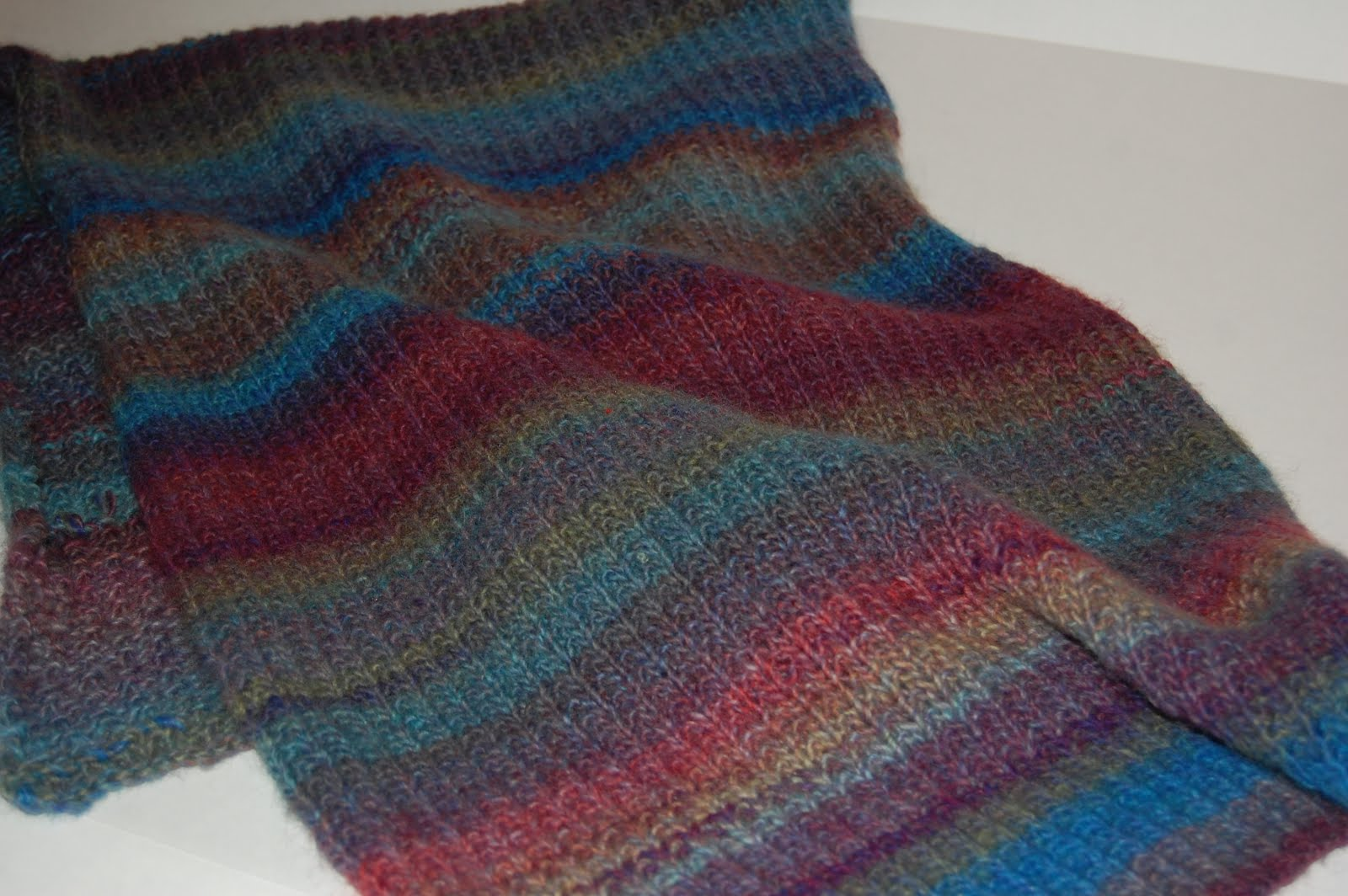 KnitOne,PearlOnion: The Amazing Mother\'s Day Self-Striping Yarn Shawl