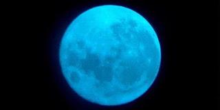 Bulan Biru Bukan Cuma Kiasan