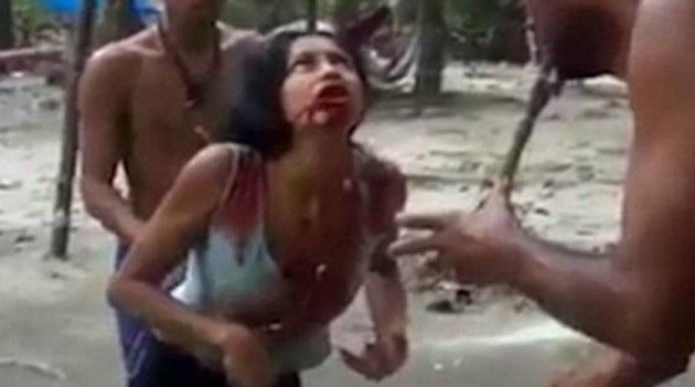 «Δαιμονισμένη»???? γυναίκα αφρίζει και βγάζει αίμα από το στόμα σε τελετή εξορκισμού (βίντεο)