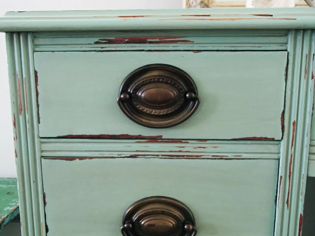 http://ddscottage.blogspot.com/2014/01/potters-cottage-green-desk.html