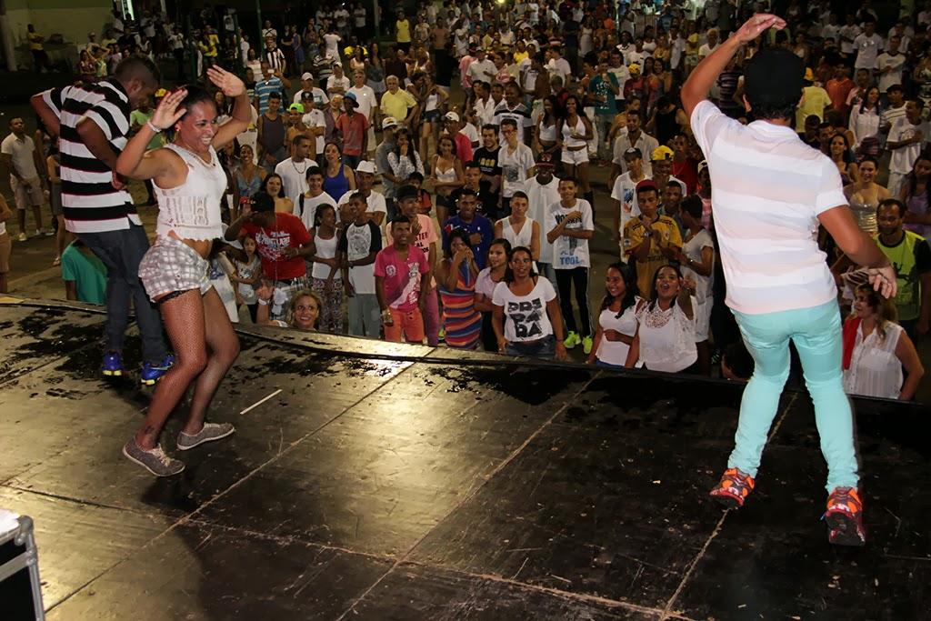 Promovido pela Prefeitura, o Réveillon de Teresópolis levou muita gente à Praça Olímpica, no Centro, para ver os shows da virada