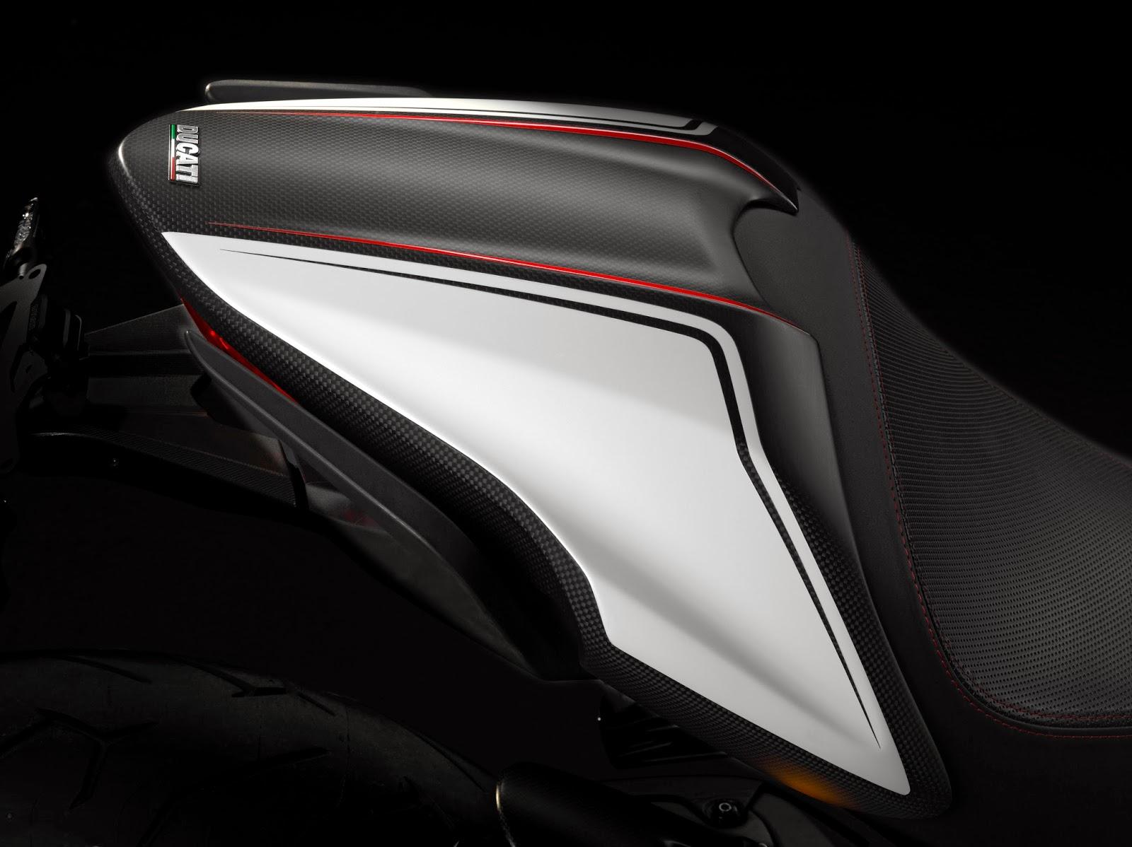 Racing Caf U00e8  Ducati Monster 1200 Ducati Performance 2014