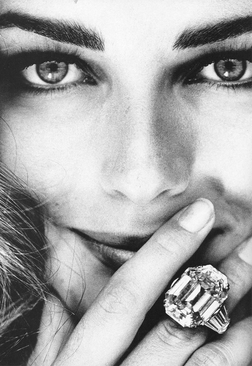 Paulina Porizkova in Vogue Italia December 1991 (photography: Glaviano) via fashioned by love british fashion blog