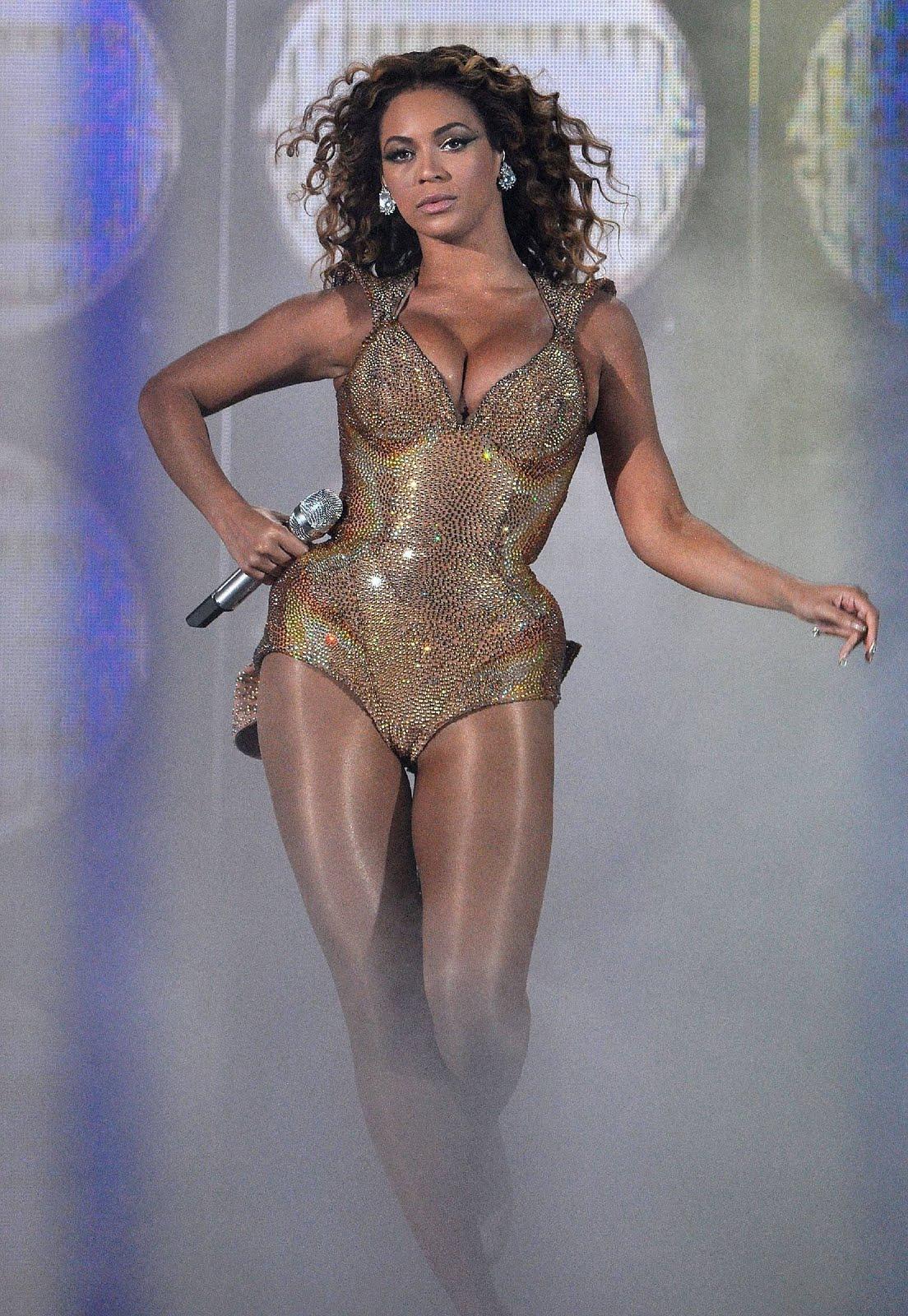 http://3.bp.blogspot.com/-ufAR9kfASdA/Tdq8ZqaqvMI/AAAAAAAAIx0/0qEAWCrlZfI/s1600/52214_Beyonce_Knowles_dressed_1529364_122_802lo.jpg