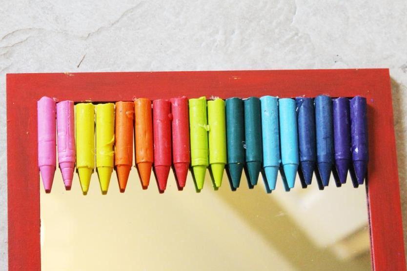melted crayon mirror miss kopy kat. Black Bedroom Furniture Sets. Home Design Ideas