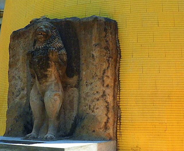 Lion Statue in colombo sriilanka