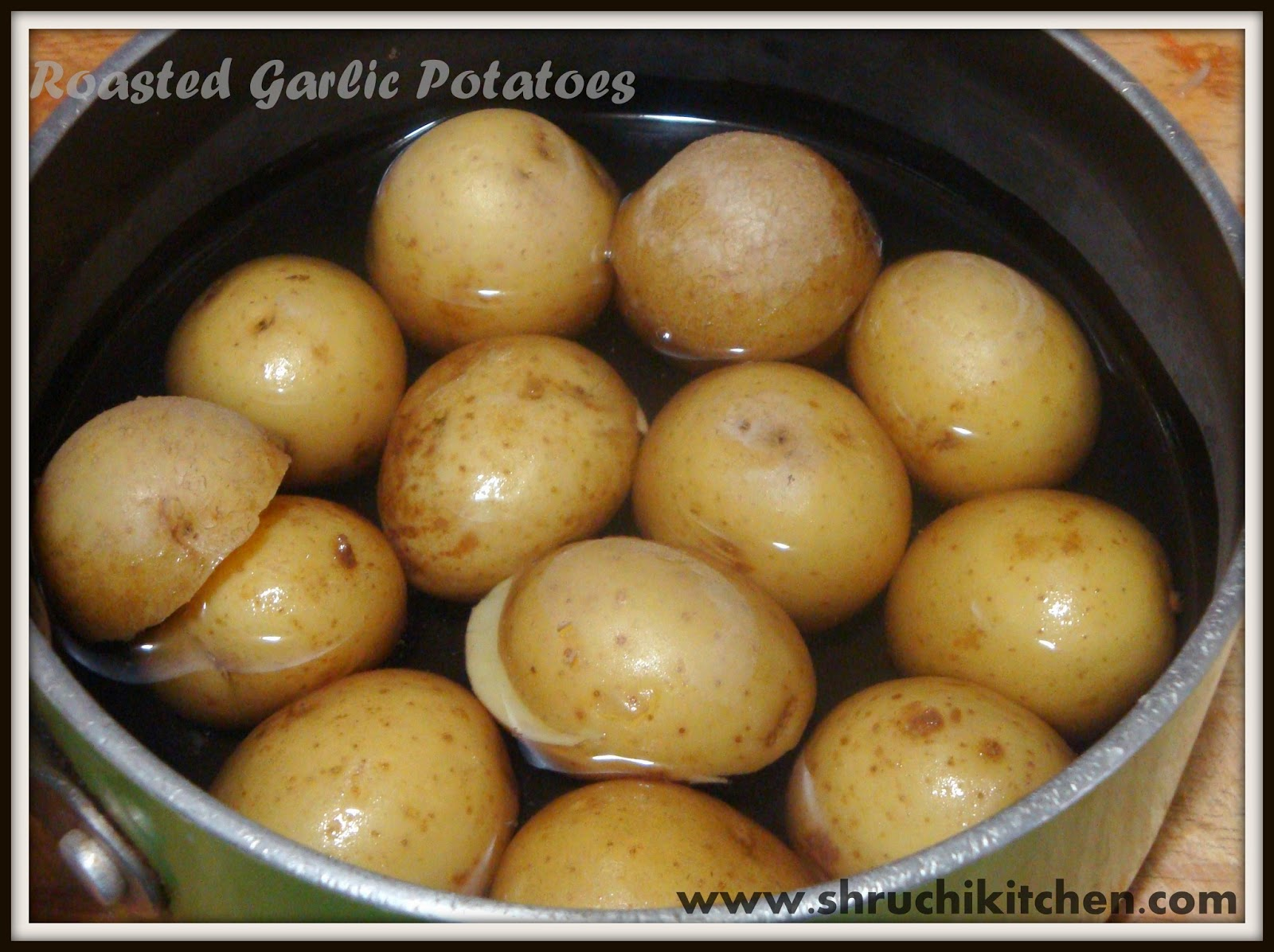 Where's the FOOOD!!!!: Roasted Garlic Potatoes