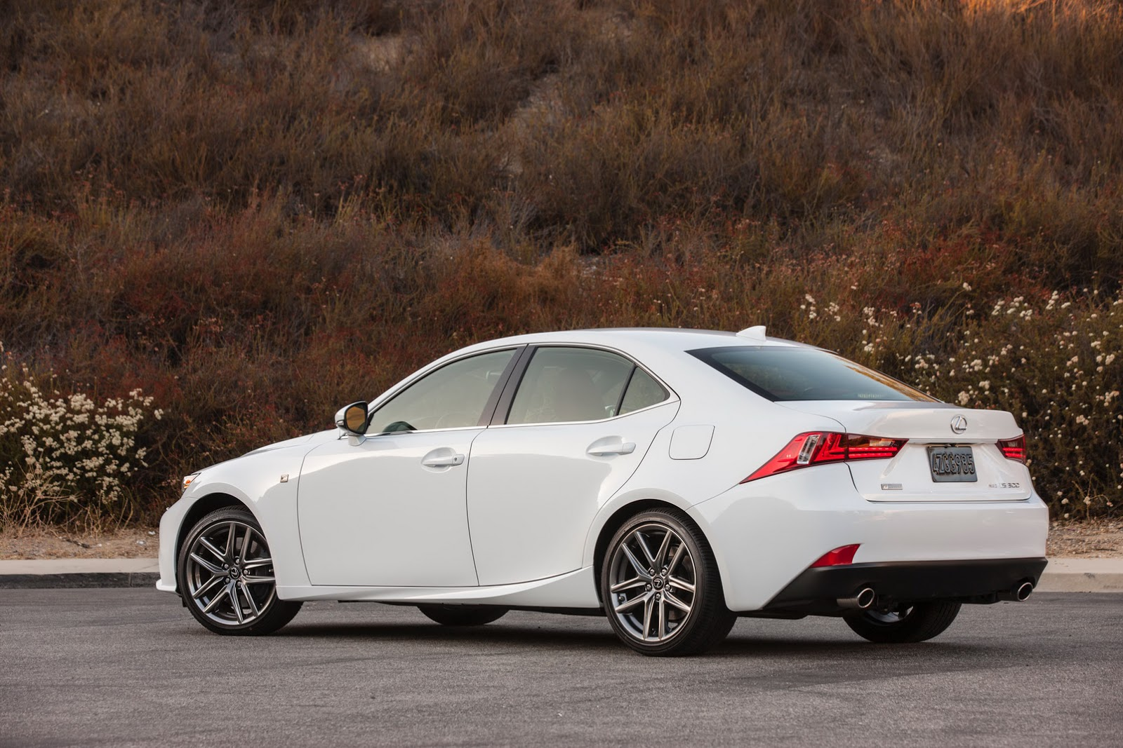 2016 lexus is gets new 241hp 2 0l turbo four 255hp v6 for usa carscoops. Black Bedroom Furniture Sets. Home Design Ideas