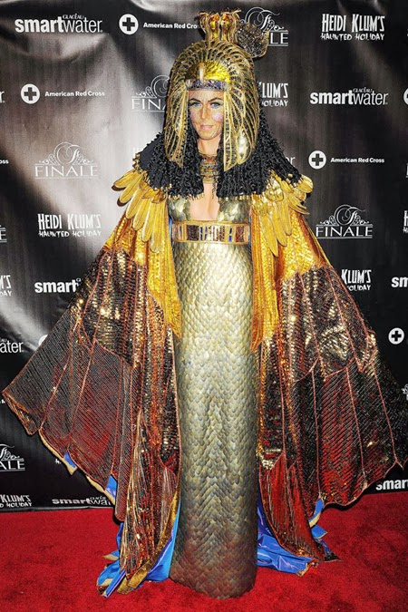 Хайди Клум костюм за Хелоуин Клеопатра